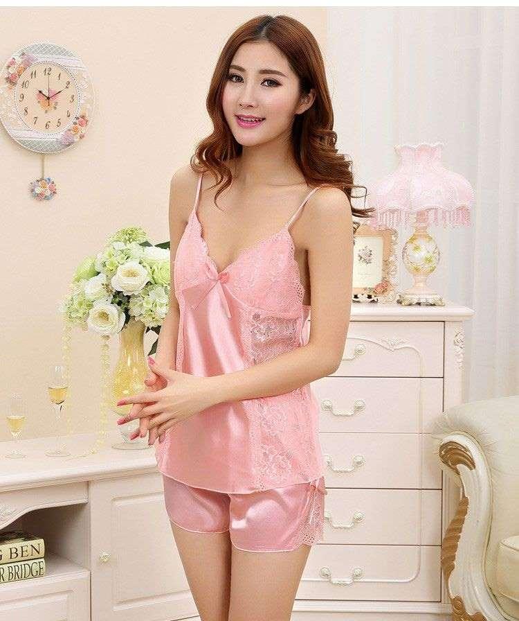 Bộ đồ nữ ngủ dễ thương chất lụa màu hồng