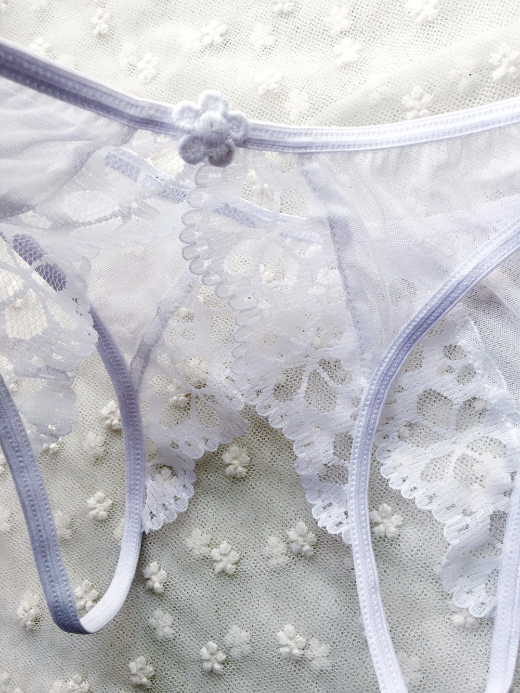 quần lót xẻ đáy