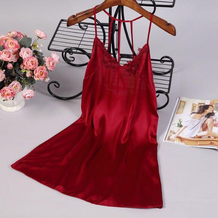 váy ngủ gợi cảm bằng lụa