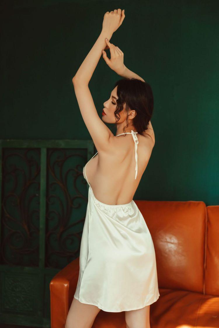 váy lụa gợi cảm