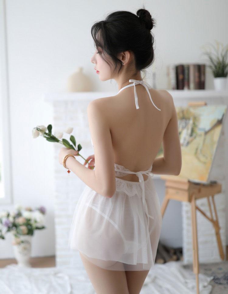 váy ngủ yếm buộc dây ở cổ