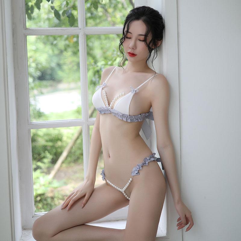 đồ lót sexy với quần lọt khe