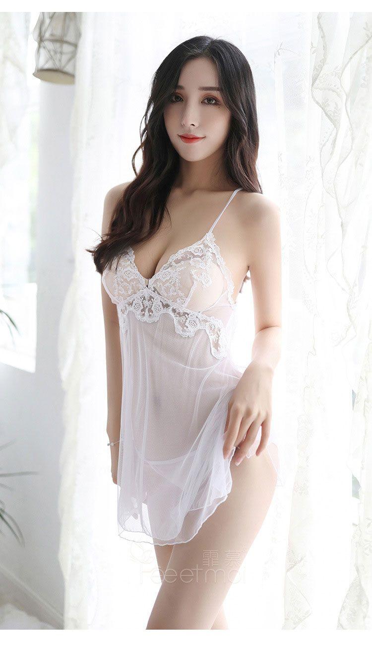 váy ngủ màu trắng