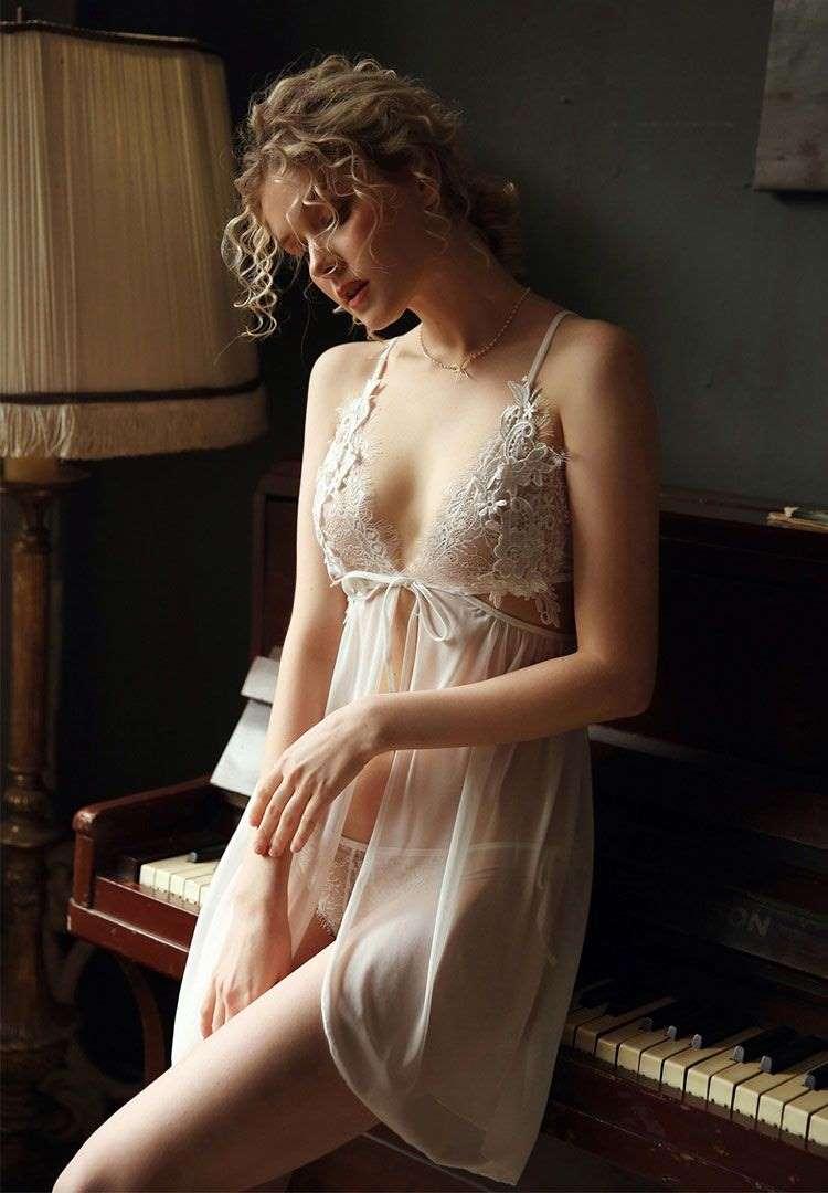 váy ngủ sexy màu trắng