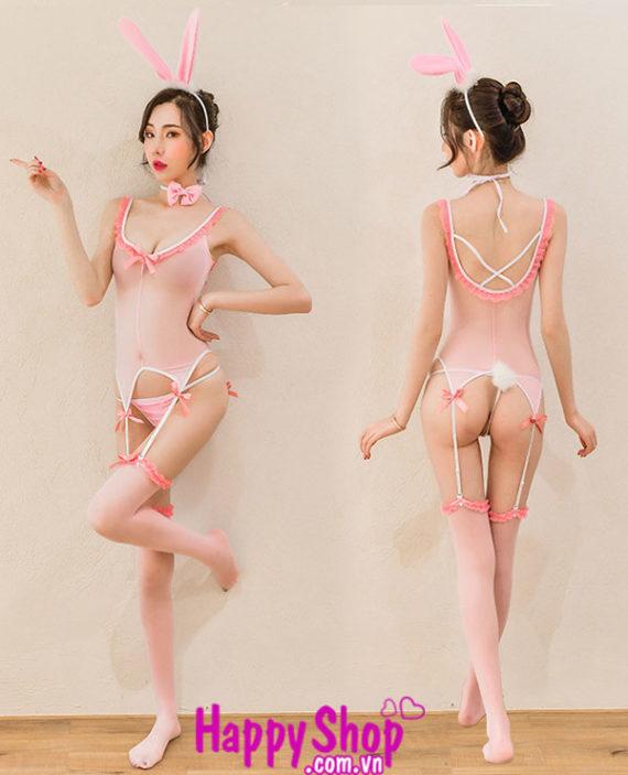 cosplay thỏ hồng