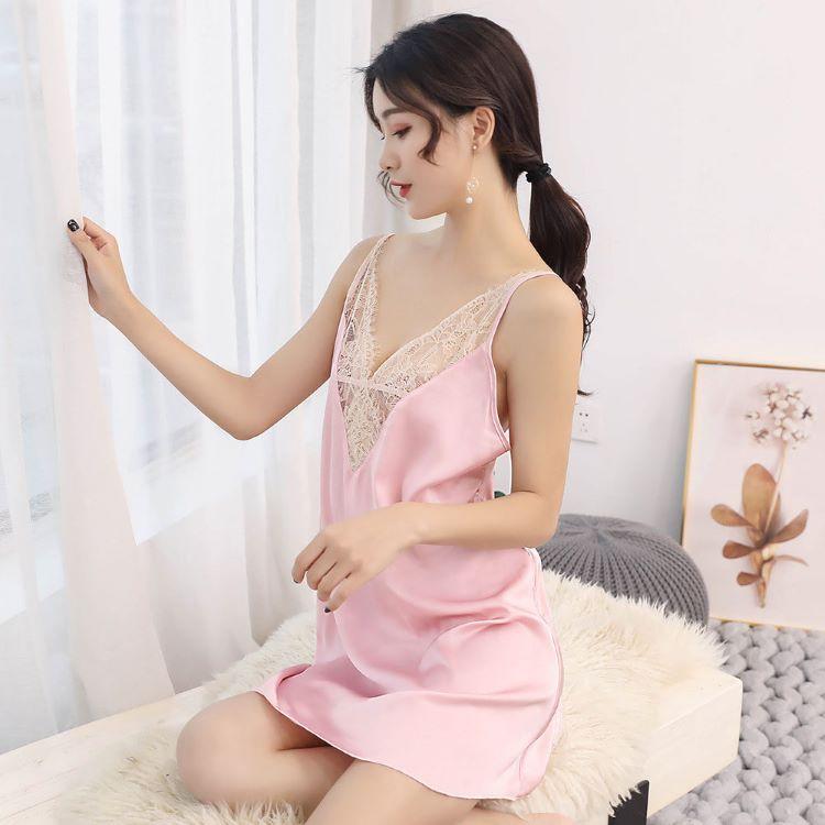 váy ngủ lụa hồng