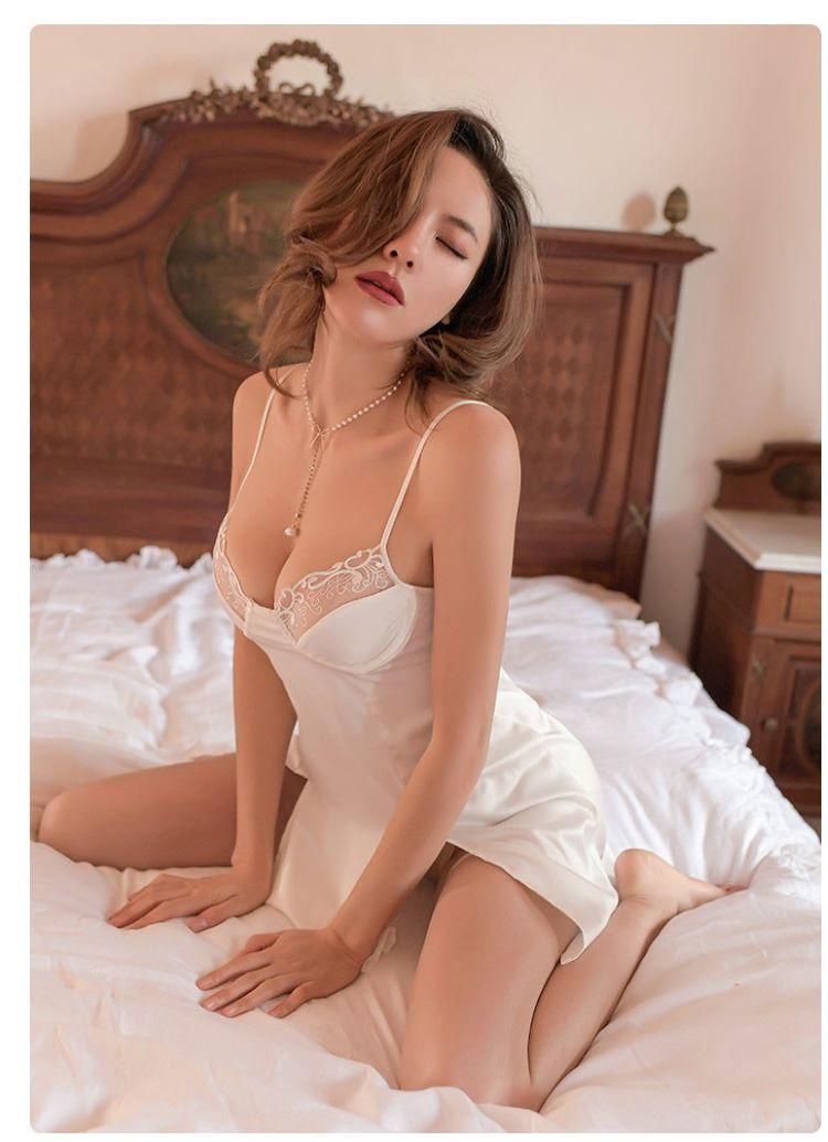 đầm ngủ đẹp màu trắng