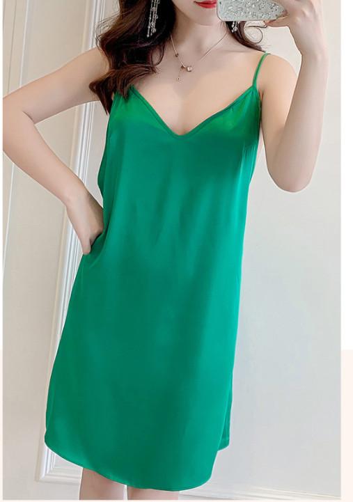 váy ngủ xanh lá