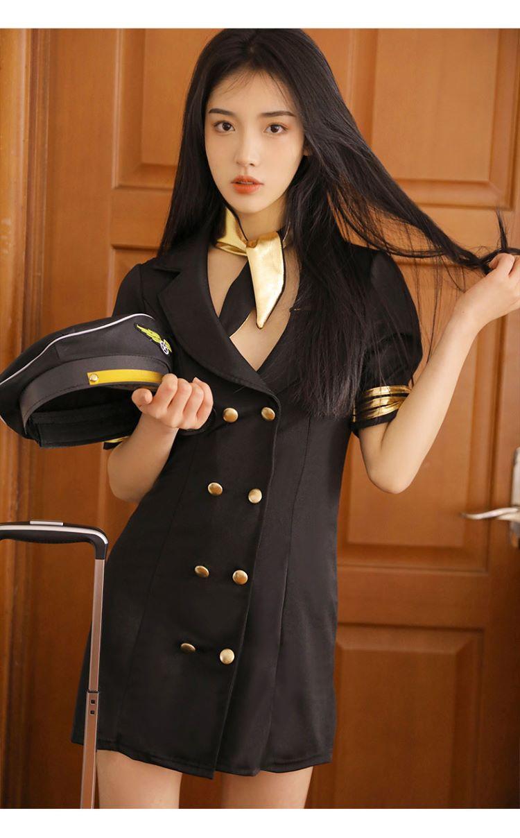 cosplay tiep vien hang khong TK2682 7
