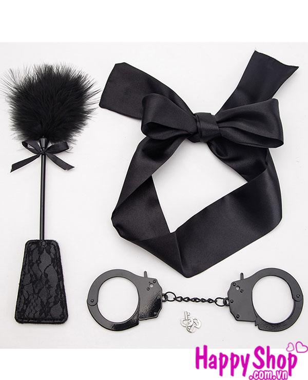đồ chơi trừng phạt, còng tay tình yêu, spanking paddle, bịt mắt lụa